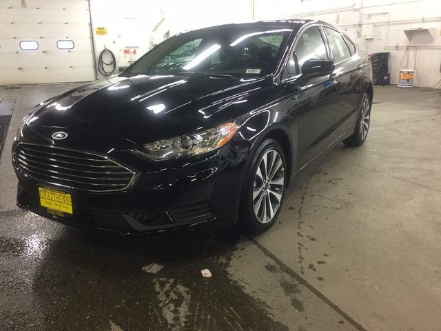 New 2019 Ford Fusion SE AWD