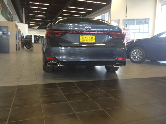 New 2019 Toyota Avalon 4DR Sedan Limited V6