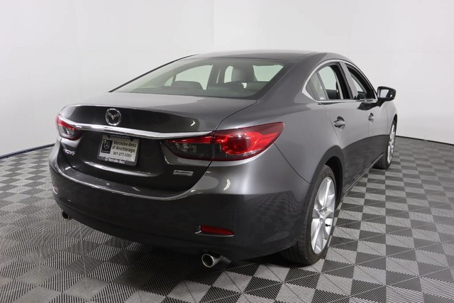 Pre-Owned 2017 Mazda3 5-Door Grand Touring
