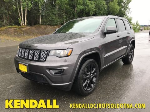 New 2018 Jeep Grand Cherokee LAREDO 4X4